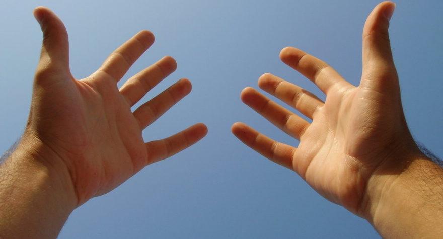 manos abiertas