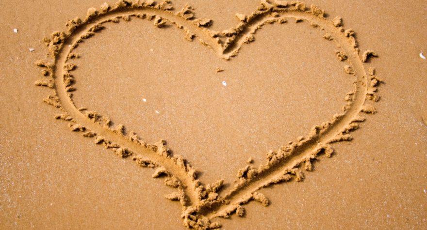 imagenes-de-amor-corazon-de-arena